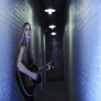 Holly Williams